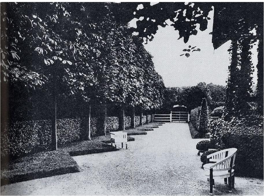 tachard garden la celle saint cloud paris france oldgardens. Black Bedroom Furniture Sets. Home Design Ideas